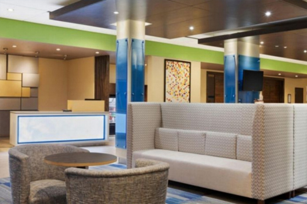 Premier Hotel Properties - Holiday Inn Express & Suites Lobby in Kirksville.